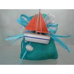 Bomboniere Marine: Sacco turchese linea yuta con barca a vela magnete